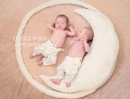 צילומי ניובורן תאומות בבית - אנדה יואל