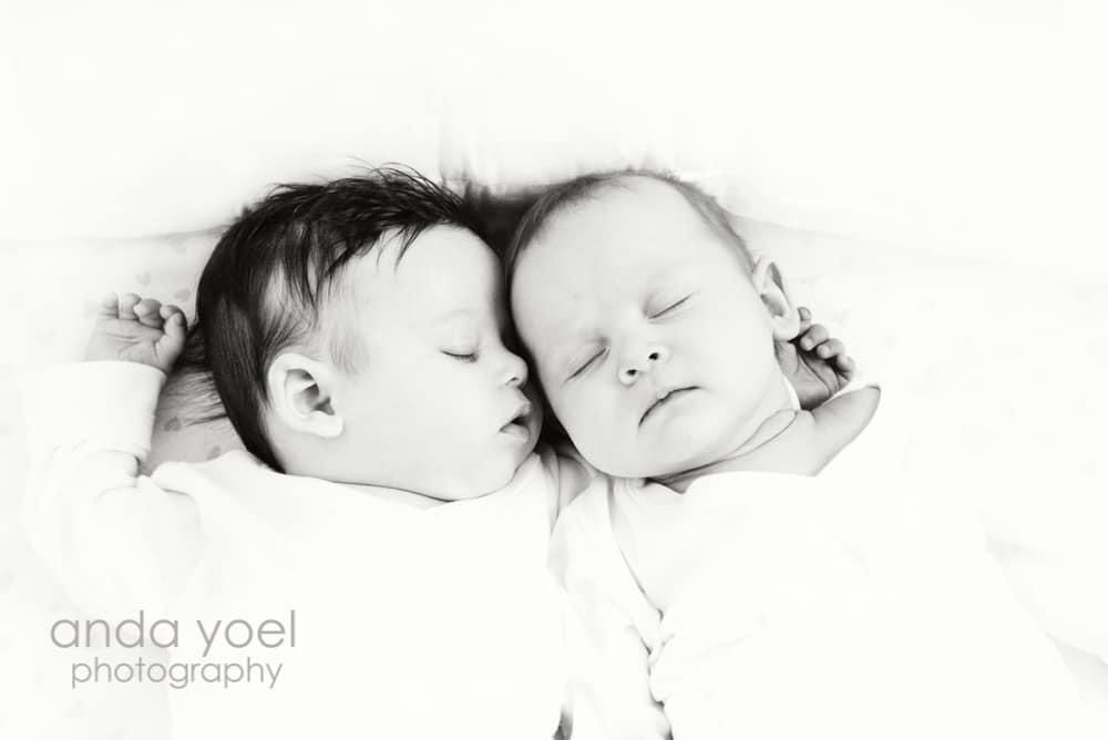 צילומי משפחה , צילומי תינוקות תאומות בבית