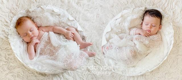 צילומי תינוקות תאומות בבית