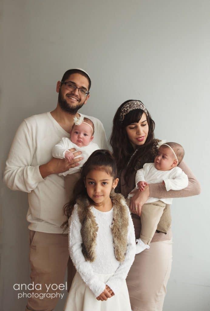 צילומי תינוקות תאומים בסטודיו - אנדה יואל