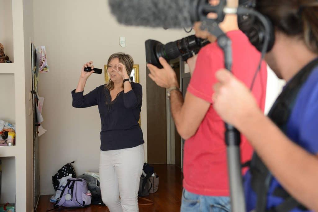 """אנדה יואל בצילומים ל""""מגזין"""" של אושרת קוטלר ערוץ 10"""