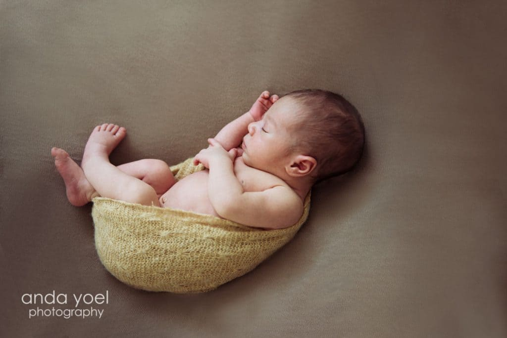 צילום תינוקות בבית באור טבעי