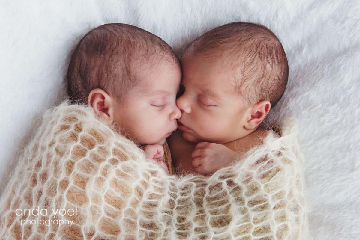 צילומי ניובורן תאומים בן ובת - אנדה יואל