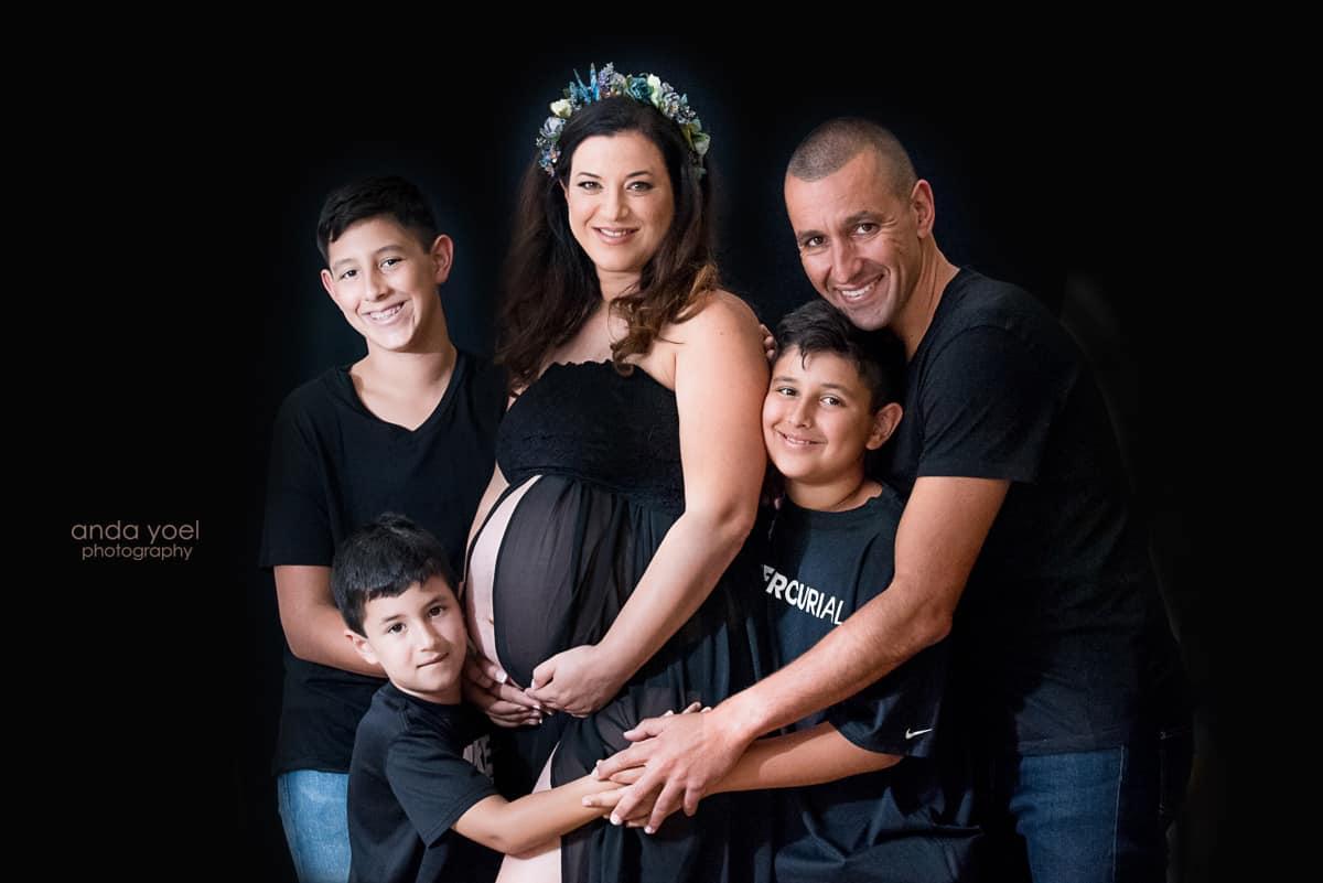 צילומי הריון ומשפחה בבית - אנדה יואל