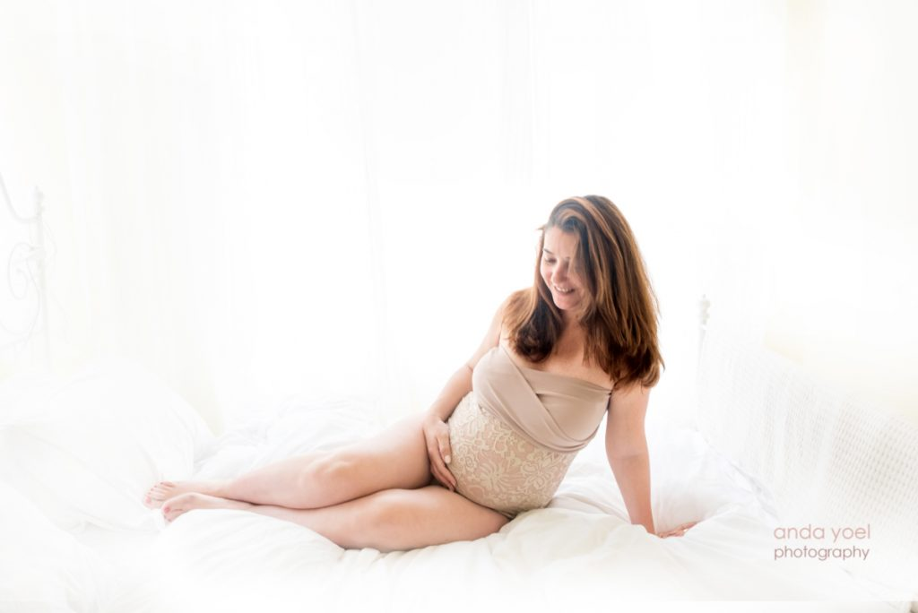 צילומי הריון בסטודיו אנדה יואל יחד עם Elena Sleider