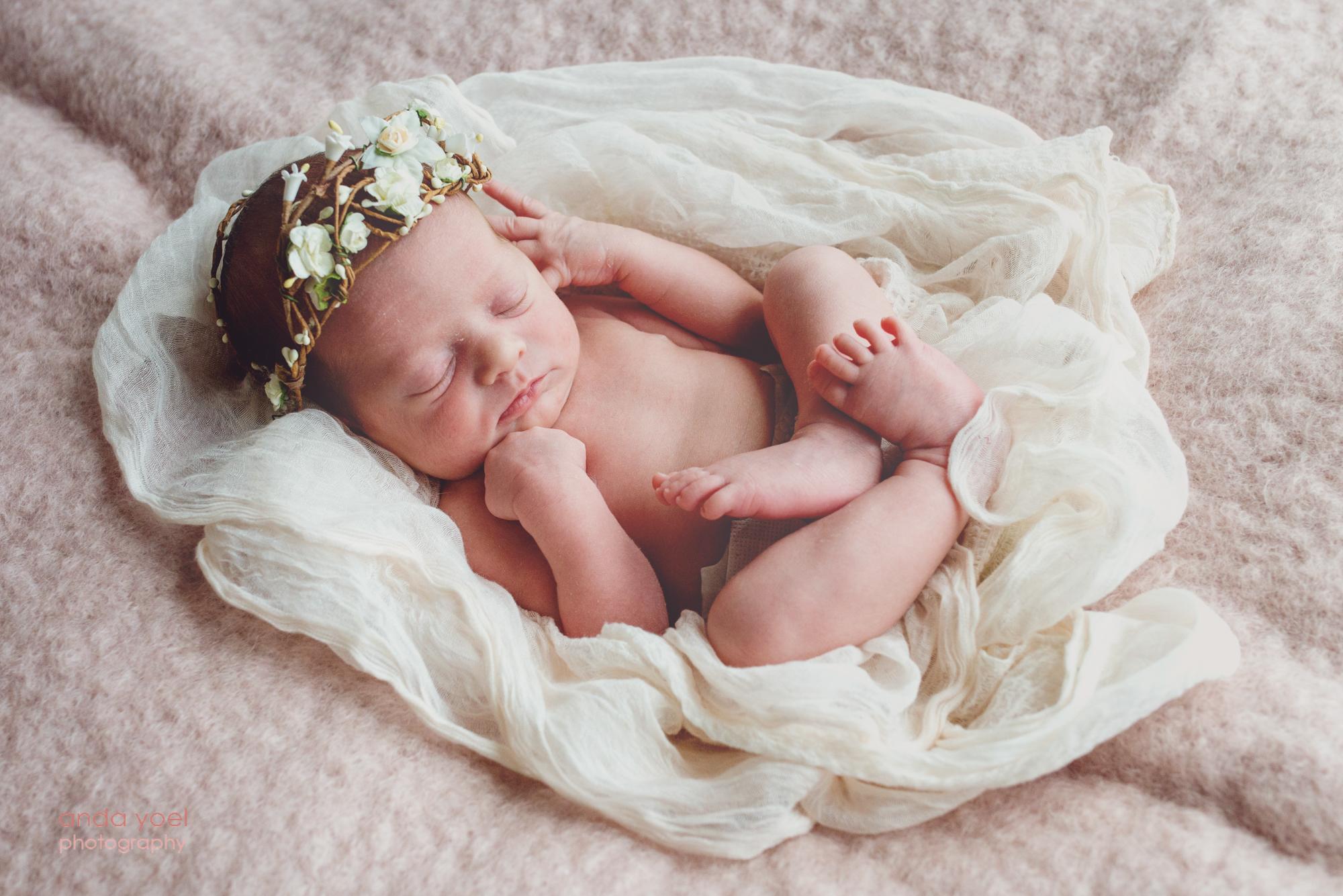 תינוקת ניו בורן שנולדה לאחר טיפולי פוריות - צילום אנדה יואל