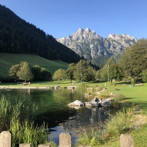 באגם ליד המלון ב werfenweng