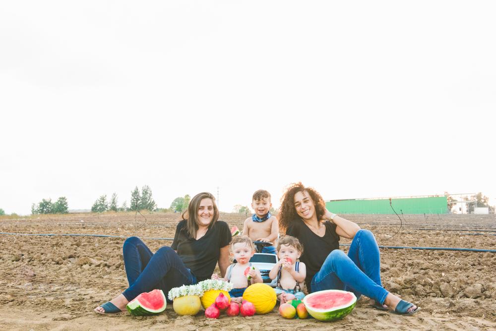 צילומי משפחה בטבע לתאומים עתי ויונתן - אנדה יואל