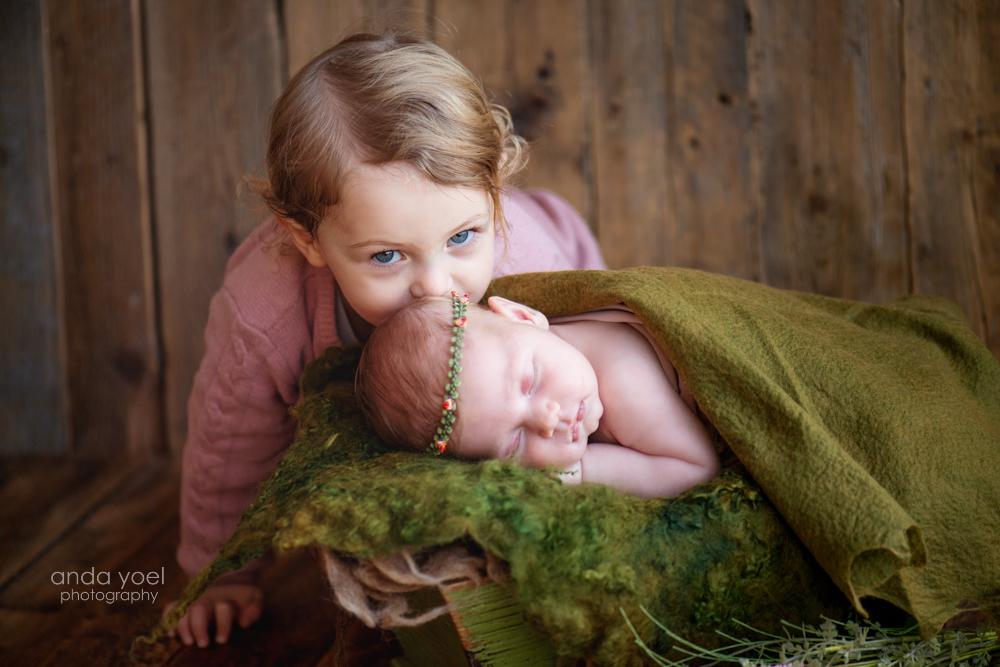 צילומי ניו בורן ותינוקות - סטודיו אנדה יואל