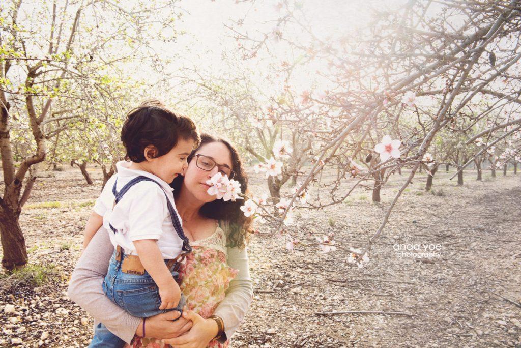 צילומי משפחה בשקדיות - אנדה יואל