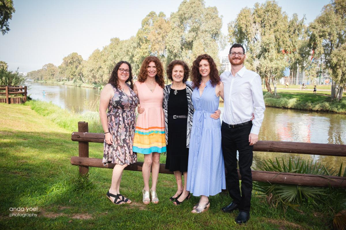 צילומי משפחה מורחבת וצילומי בר מצווה בבית דניאל - אנדה יואל
