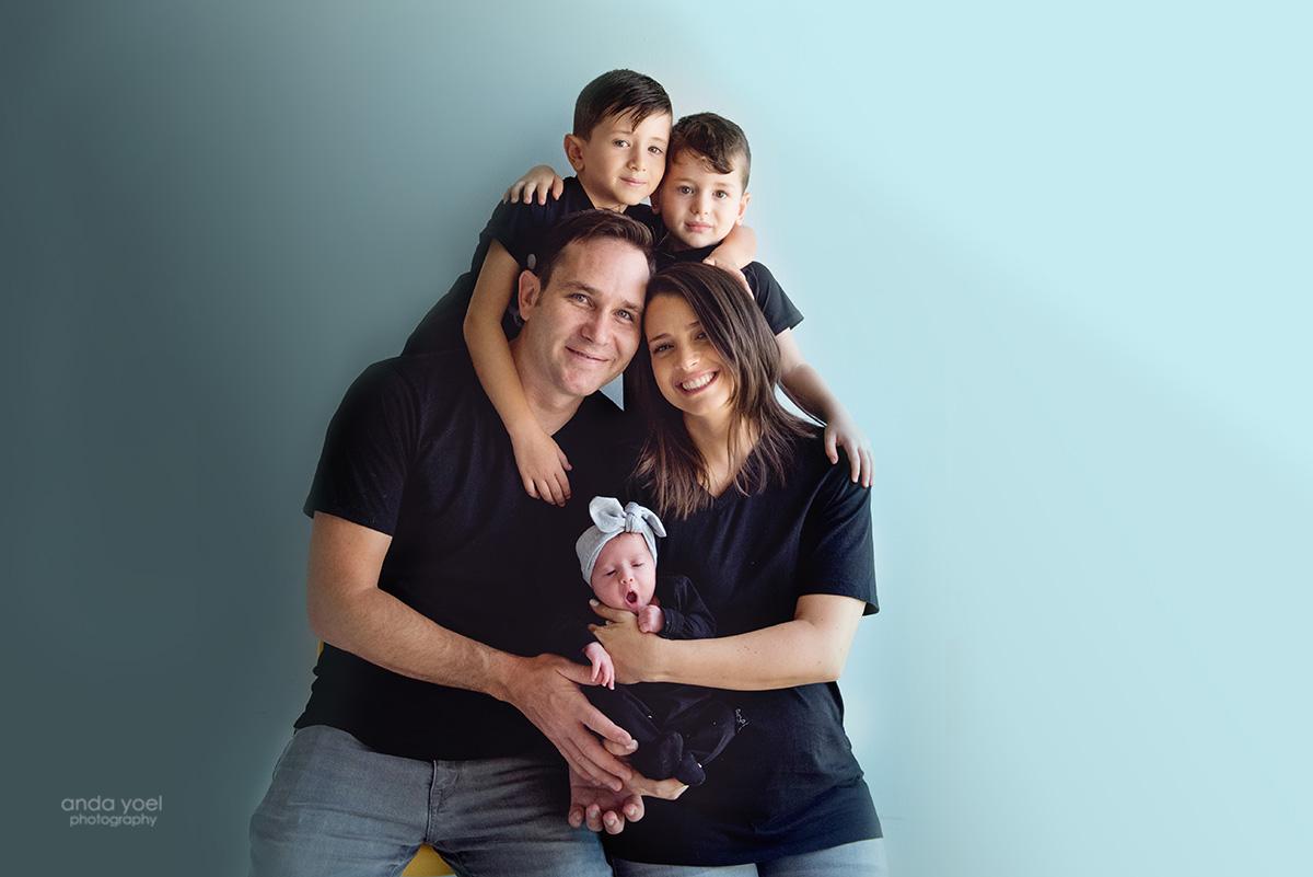 צילומי ניו בורן ומשפחה בסטודיו אנדה יואל