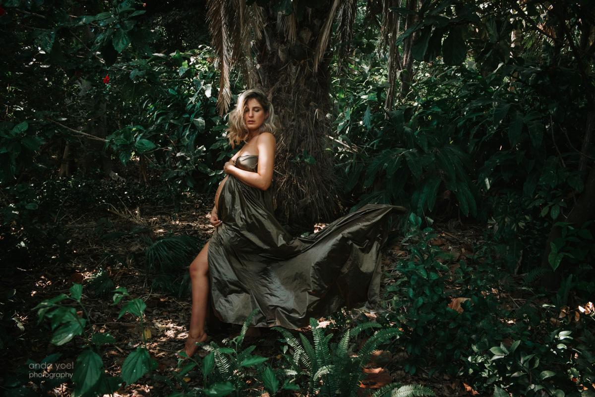 """צילומי הריון בטבע בסגנון """"הישרדות"""" - אנדה יואל"""