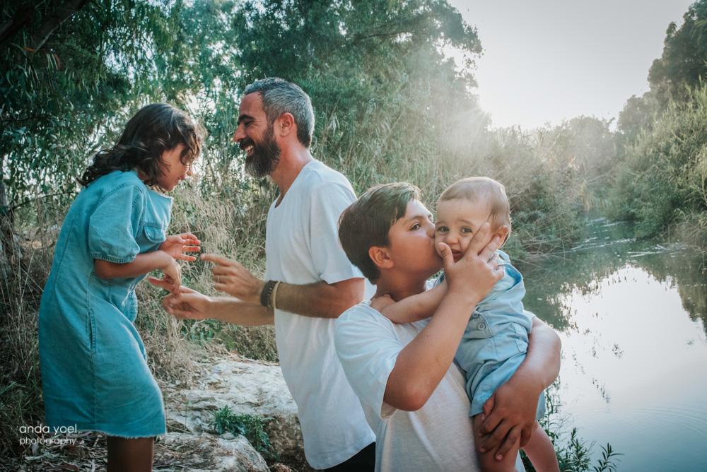 צילומי משפחה וילדים בטבע אורלי - אנדה יואל
