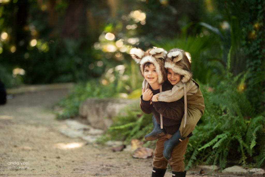 צילומי ילדים ומשפחה קסם בטבע - אנדה יואל