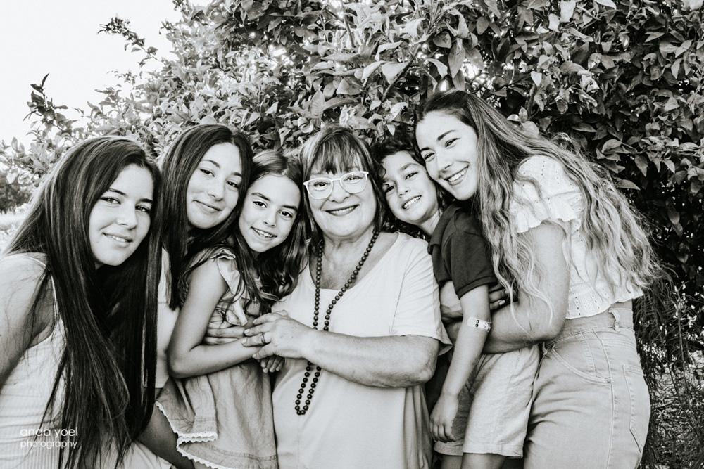 צילומי דורות - אנדה יואל