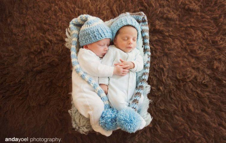 צילום ניובורן תאומים בבית, התאומים איתי ואילון