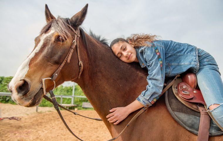 לטבע נולדה – בוק בת מצווה בטבע לליאן, רוכבת סוסים מקצועית
