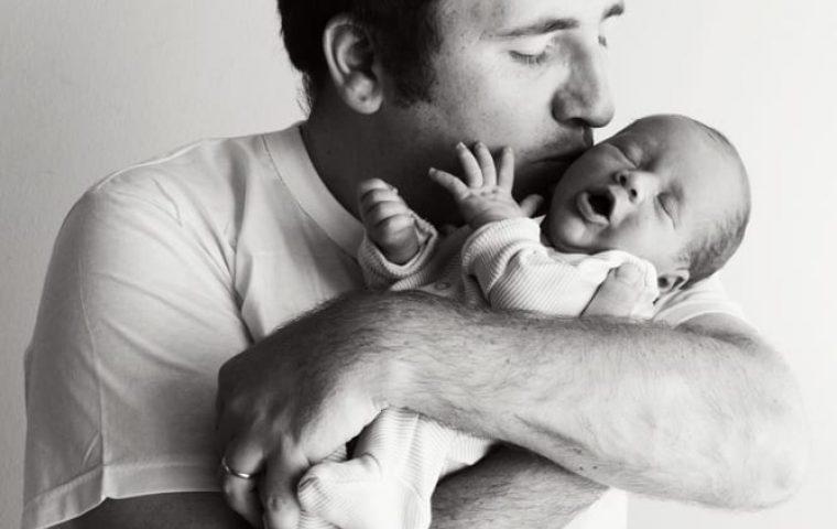 תינוקות ואבות – הצד הפחות מוכר בצילומי תינוקות ומשפחה