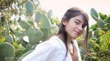 ילדת בת מצווה בשדה סברס - מתוך סדרת צילומי בוק בת מצווה בצילומי חוץ - אנדה יואל